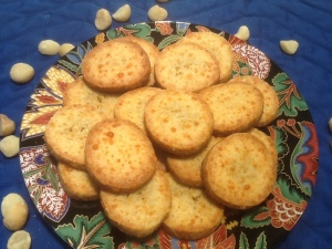Macadamia Cheese Biscuits